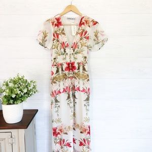 NWT Hope & Ivy Cream Floral V Neck Midi Dress 549